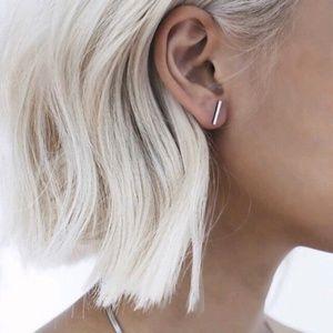 Dainty Bar Earrings (Silver)